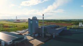 在摄影风景中的空中工业前提在蓝天下 股票录像