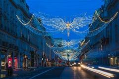 在摄政的街道,伦敦英国上的圣诞灯 免版税库存图片