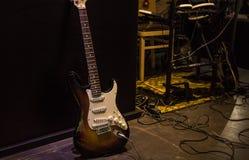 在摇滚乐音乐会的电子吉他 免版税库存图片