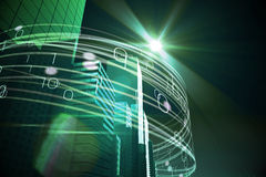 在摩天大楼的绿灯射线 免版税库存图片