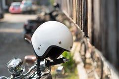 在摩托车的盔甲 免版税库存照片