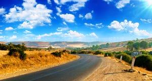 在摩洛哥山的高速公路路 免版税库存照片