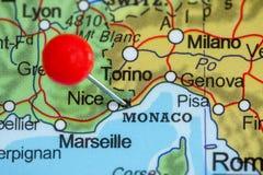 在摩纳哥的地图的Pin 库存图片