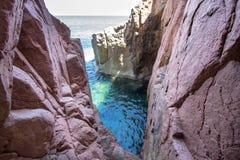 在撒丁岛海岛,意大利上的Rocca Rossa 库存照片