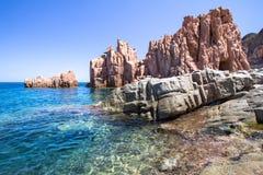 在撒丁岛海岛,意大利上的Rocca Rossa 免版税图库摄影