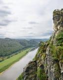 在撒克逊人的瑞士垂直foto的易北河谷 免版税库存照片