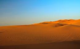 在撒哈拉大沙漠日落 库存照片