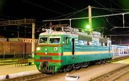 在撒马而罕驻地的苏维埃做的电力机车 库存图片
