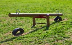 在操场-木摇摆的比赛 图库摄影