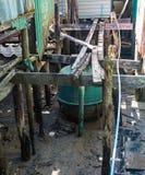 在攀牙湾海岛上的简单的渔村生活在普吉岛附近的,泰国 库存图片