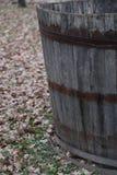 在收获和酿酒期间,滚磨收获葡萄 免版税库存照片
