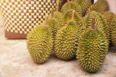 在收获果树园以后的留连果果子在泰国 免版税库存图片