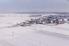 在收获的鸟瞰图在冬天调遣 库存图片