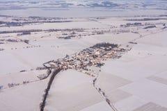 在收获的鸟瞰图在冬天调遣 图库摄影