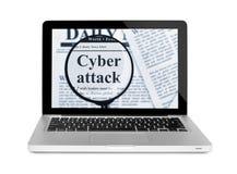 在放大镜下的网络攻击对膝上型计算机 图库摄影