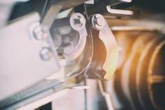 在放映机细节,电影标志的超级8 mm影片轴 库存照片
