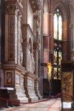 在教会圣塔玛丽亚gloriosa dei frari的法坛 免版税库存图片
