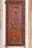 在教会圣塔玛丽亚gloriosa dei frari的门 免版税图库摄影