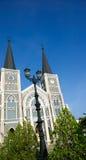 在教会旁边 免版税图库摄影