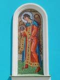 在教会的墙壁上的马赛克象 保佑的圣母玛丽亚(19世纪)的诞生 免版税库存照片
