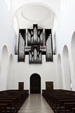 在教会里面的管风琴 免版税库存图片