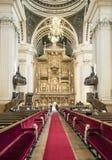 在教会里面从萨瓦格萨的柱子 免版税库存照片
