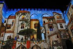 在教皇宫,阿维尼翁的轻的展示 图库摄影