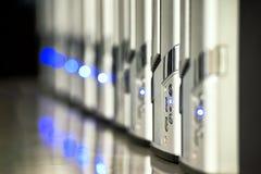 在数据中心背景IT事务的网络服务系统 图库摄影