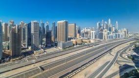 在整天期间的迪拜小游艇船坞摩天大楼空中顶视图从在迪拜timelapse的JLT,阿拉伯联合酋长国 股票录像