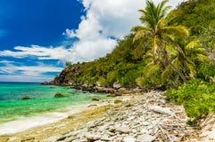在斐济` s海岛上的独特的海滩 免版税库存图片