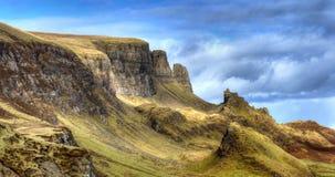 在斯凯岛小岛的Quiraing山  免版税库存图片
