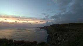 在斯凯岛海小岛的日出,高地地区,苏格兰-定期流逝 股票录像