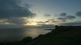 在斯凯岛海小岛的日出,高地地区,苏格兰-定期流逝 影视素材