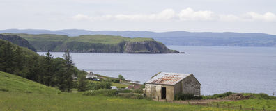 在斯凯岛,苏格兰小岛的老客舱  图库摄影