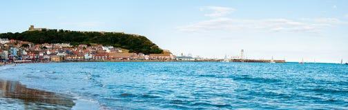 在斯卡巴勒南湾港口的看法在北部Yorskire,英国 免版税库存照片