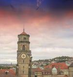 在斯图加特地平线,德国之上的美妙的天空颜色 免版税库存照片