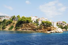 在斯基亚索斯岛海岛,希腊上的斯基亚索斯岛镇 库存图片