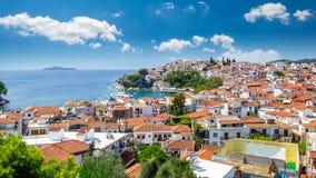 在斯基亚索斯岛海岛,希腊上的斯基亚索斯岛镇 免版税图库摄影