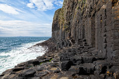 在斯塔法岛,苏格兰的玄武岩专栏 免版税库存图片