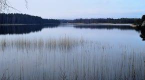 在斯德哥尔摩之外的一个海湾每镇静晚上 库存图片