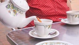 在斯汤顿槽枥茶屋子的下午茶,斯汤顿, Leicestshire,英国 库存图片