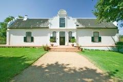 在斯泰伦博斯酒区域的历史的荷兰海角建筑学,在开普敦外面,南非 免版税库存图片