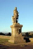 在斯特灵城堡苏格兰的罗伯特・布鲁斯国王雕象 免版税库存照片