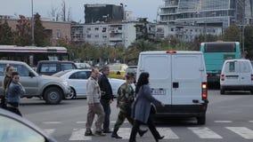 在斯肯德土侯正方形的交通堵塞在地拉纳 股票视频