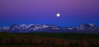 在斯蒂基斯霍尔米,冰岛附近的夜空 库存图片