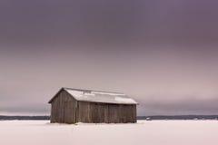 在斯诺伊领域的冬日 免版税图库摄影