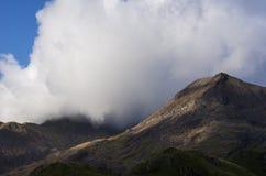 在斯诺登山的云彩 库存照片