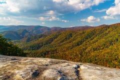 在斯通山的秋天 免版税库存图片