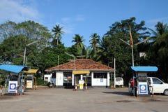 在斯里兰卡的海岛上的加油站 免版税图库摄影