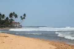 在斯里兰卡的海岛上的海滩 免版税图库摄影